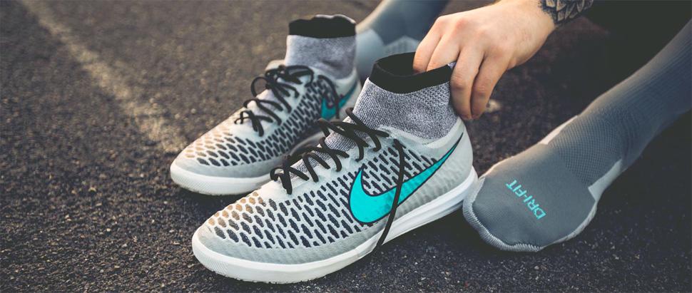 новые футзалки Nike MagistaX Proximo